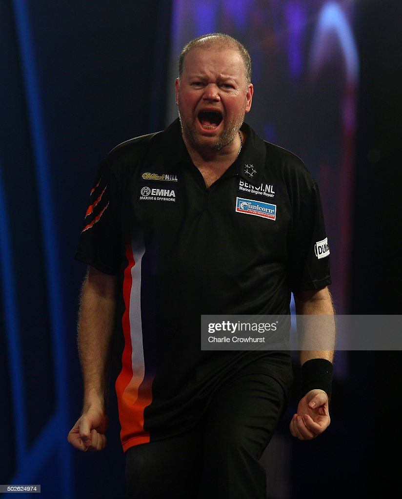2016 William Hill PDC World Darts Championships - Day Nine