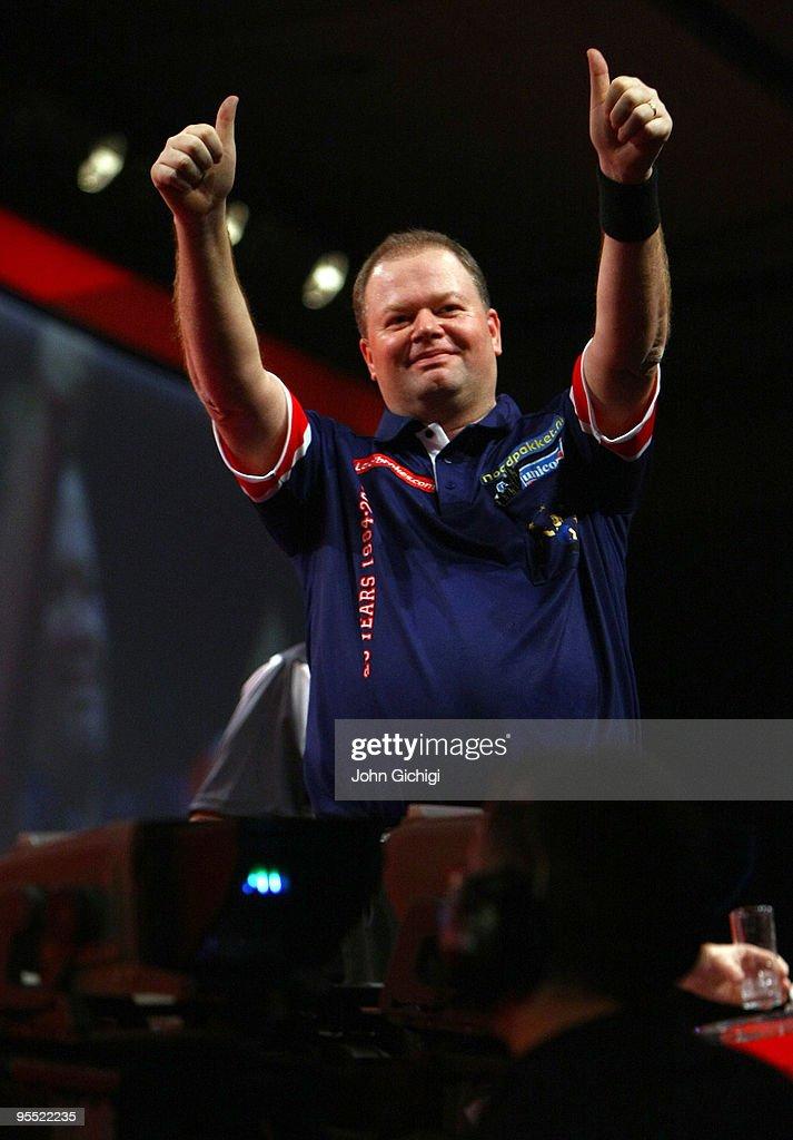 2010 Ladbrokes.com World Darts Championship - Quarter Finals