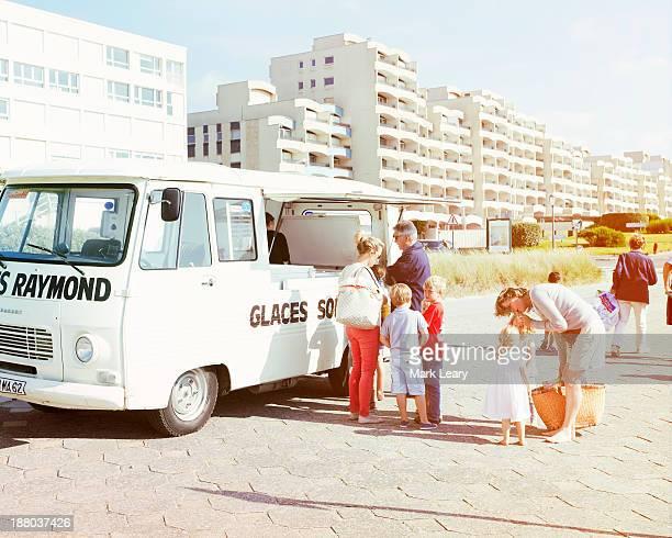 Raymond's glaces