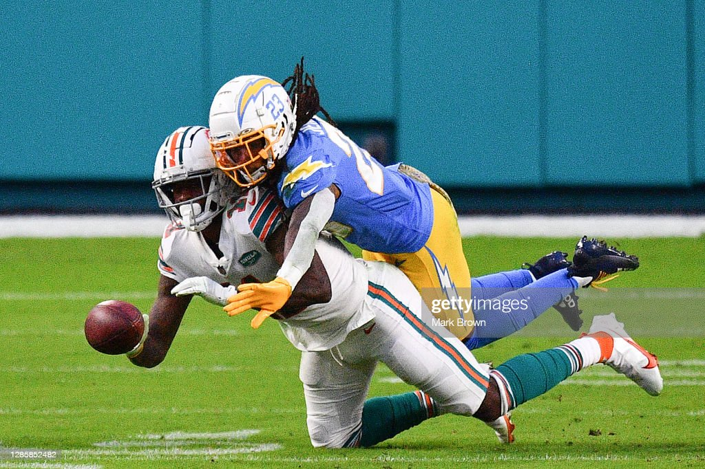 Los Angeles Chargers v Miami Dolphins : ニュース写真
