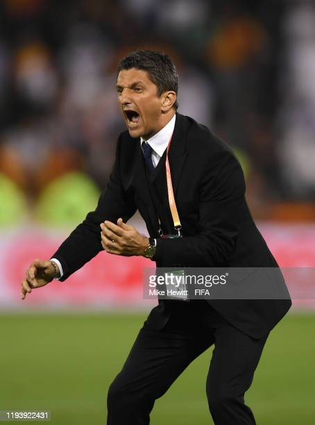 Razvan Lucescu Head Coach of Al Hilal SFC gives his team instructions during the FIFA Club World Cup 2nd round match between Al Hilal and Esperance...