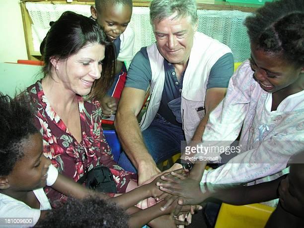 Rüdiger Joswig Ehefrau Claudia Wenzel afrikanisches Kinder Urlaub Flitterwochen WindhoekKatutura/Namibia/SüdAfrika Schauspieler Schauspielerin...