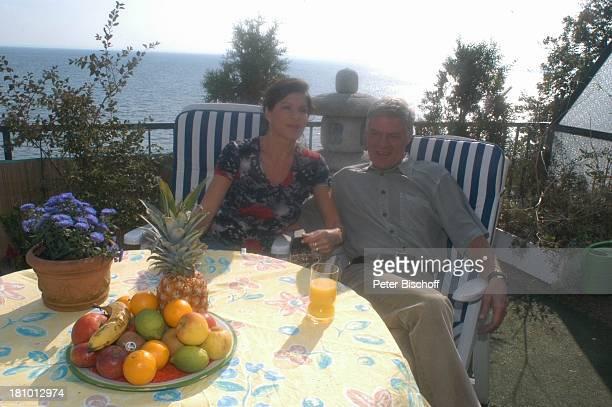 Rüdiger Joswig, Ehefrau Claudia Wenzel, Homestory, Flitterwochen, Sierksdorf/Schleswig-Holstein, , Penthouse-Appartement, Balkon, Ostsee, Meer,...