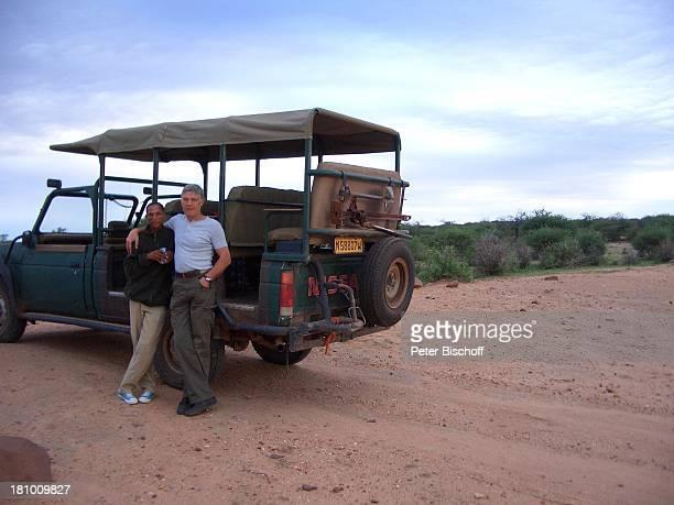 Rüdiger Joswig Ehefrau Claudia Wenzel Urlaub Flitterwochen Namibia/SüdAfrika Safari Schauspieler Schauspielerin Jeep Promis Steppe Savanne Wüste...