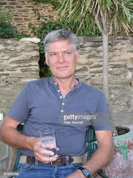 Rüdiger Joswig Urlaub Flitterwochen Heinitzburg/Namibia/SüdAfrika Schauspieler Getränk Glas Promis Prominente Prominenter