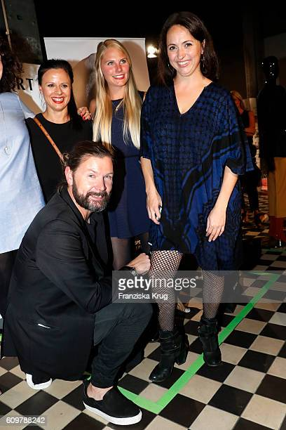 Rea Garvey and his wife Josephine Garvey attend the 'Das gruene Kaufhaus' Launch Event on September 22, 2016 in Berlin, Germany.
