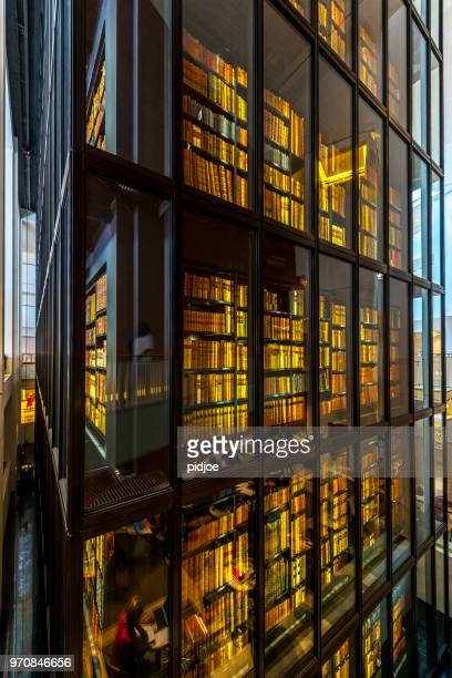 Readers and bookshelfs in The British Library