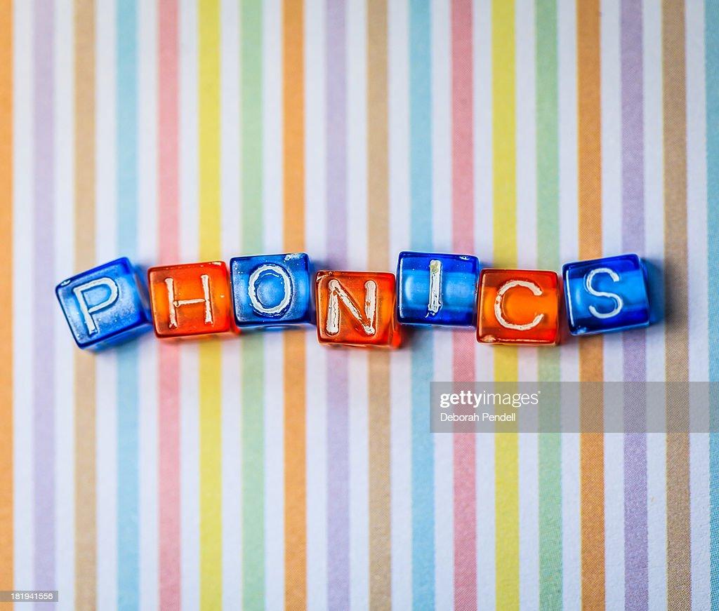 Reading by the phonics method : ストックフォト
