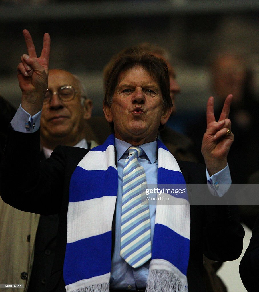 reading chairman sir john madejski celebrates after the npower    nachrichtenfoto