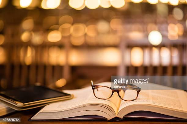 Lunettes de lecture et de tablette numérique sur réservation