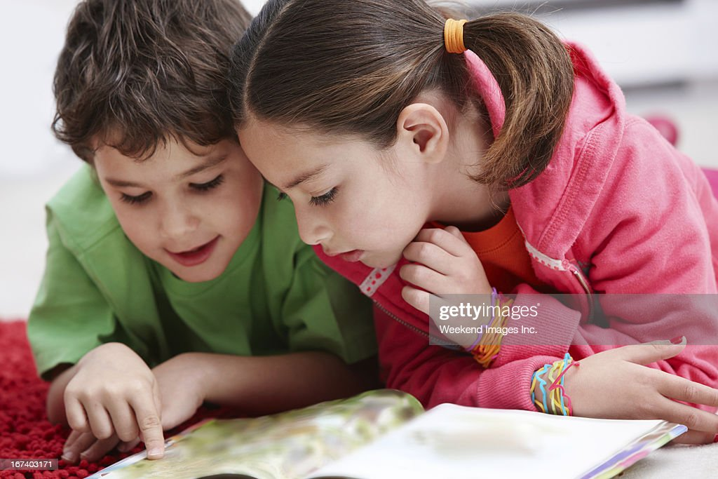 Reading kids : Stock Photo