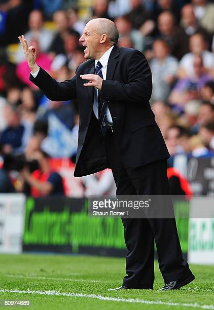 Reading Manager Steve Coppell shouts instructions from the sidelines during the Barclays Premier League match between Reading and Tottenham Hotspur...