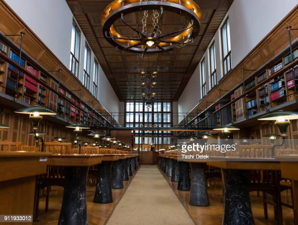 公共図書館の読書室 - library ストックフォトと画像