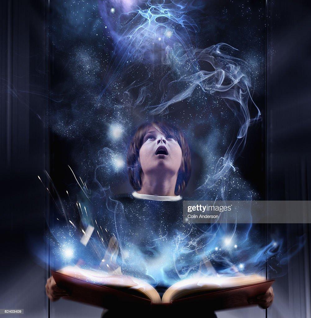 Reading sparks imagination : Stock Photo