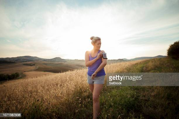 ready for a morning run - wide shot stock pictures, royalty-free photos & images