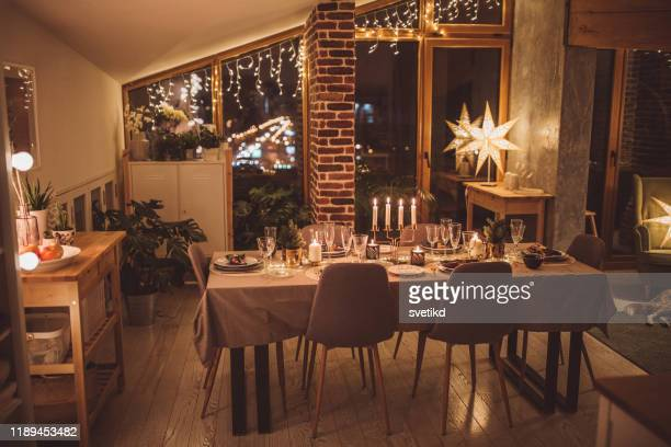 ready for christmas at home - table decoration stock pictures, royalty-free photos & images