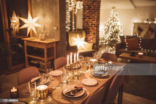 ready for christmas at home - living room stock pictures, royalty-free photos & images