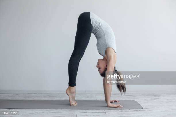 ready for handstand pose - yoga stock pictures, royalty-free photos & images