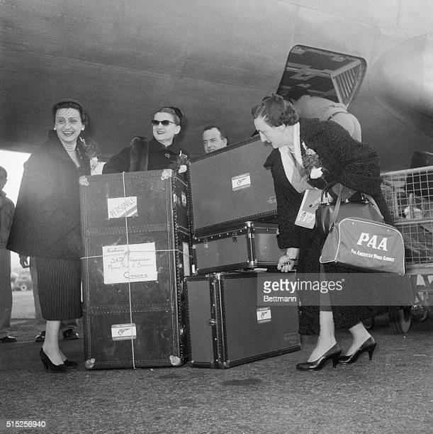 Ready to board a Lisbon bound plane are the three Fontana sisters of the famous Italian Fashion HouseZoe Nicola and Giovanna and with them they are...
