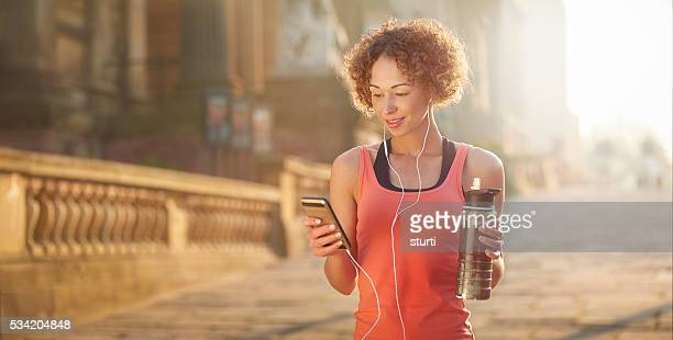 ready to run - liverpool training stock pictures, royalty-free photos & images