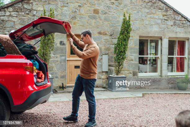 ready to unpack - car stock pictures, royalty-free photos & images