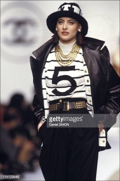Ready to wear Fall Winter Fashion show 88 89 in Paris France in March 1988 Model Ines de La Fressange