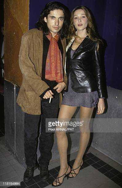 Ready to wear Valentino in 1995 Carla Bruni and Arno Klarsfeld at Valentino Ready to wear fallwinter fashion show