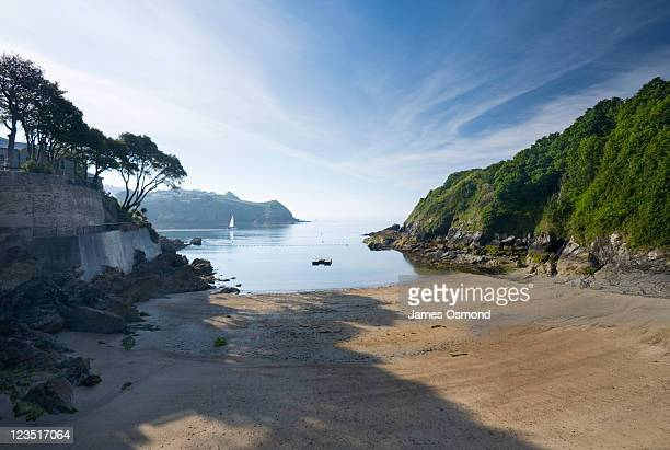 readymoney cove, fowey. cornwall. england. uk. - bay of water stock pictures, royalty-free photos & images