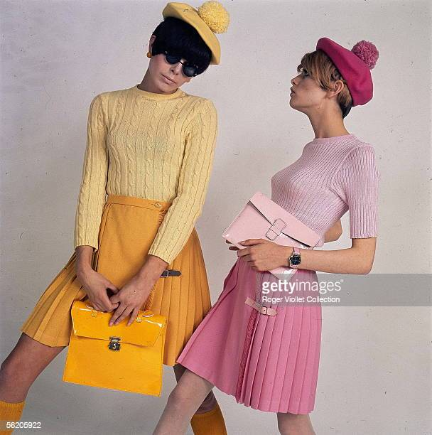 Readytowear Pleated skirts Twiggy on the right France 19661967
