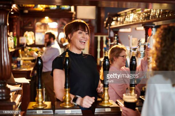 real ale pub welcome - employee stock pictures, royalty-free photos & images