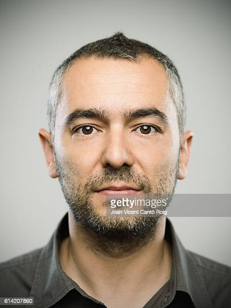 real caucasian adult man portrait - mugshot photos et images de collection
