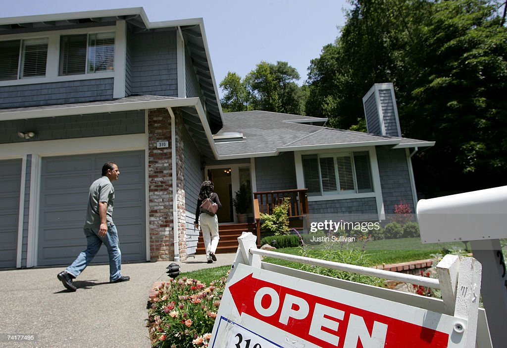 Despite National Woes, Bay Area Housing Prices Hit New Highs : News Photo