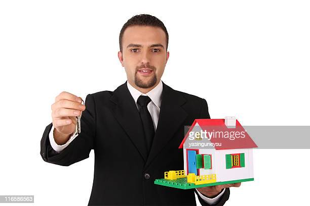 Real Estate Dealer