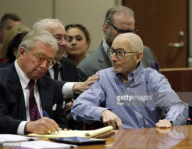 Real estate heir Robert Durst reacts to attorney Donald Re during a preliminary hearing in the Airport Branch of the Los Angeles County Superior...