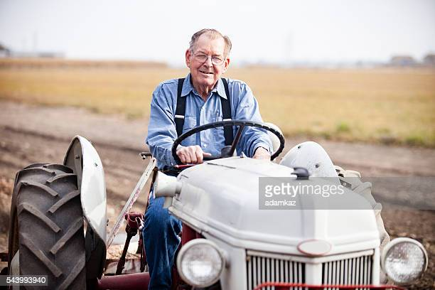 Real Farmer am Traktor