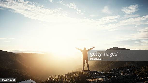 real freedom lies in wilderness not in civilisation - zonsopgang stockfoto's en -beelden