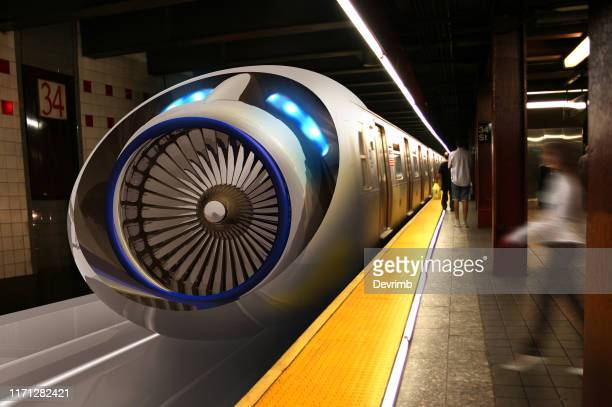 real hyperloop bahnhof und passagiere - vorhersagen stock-fotos und bilder