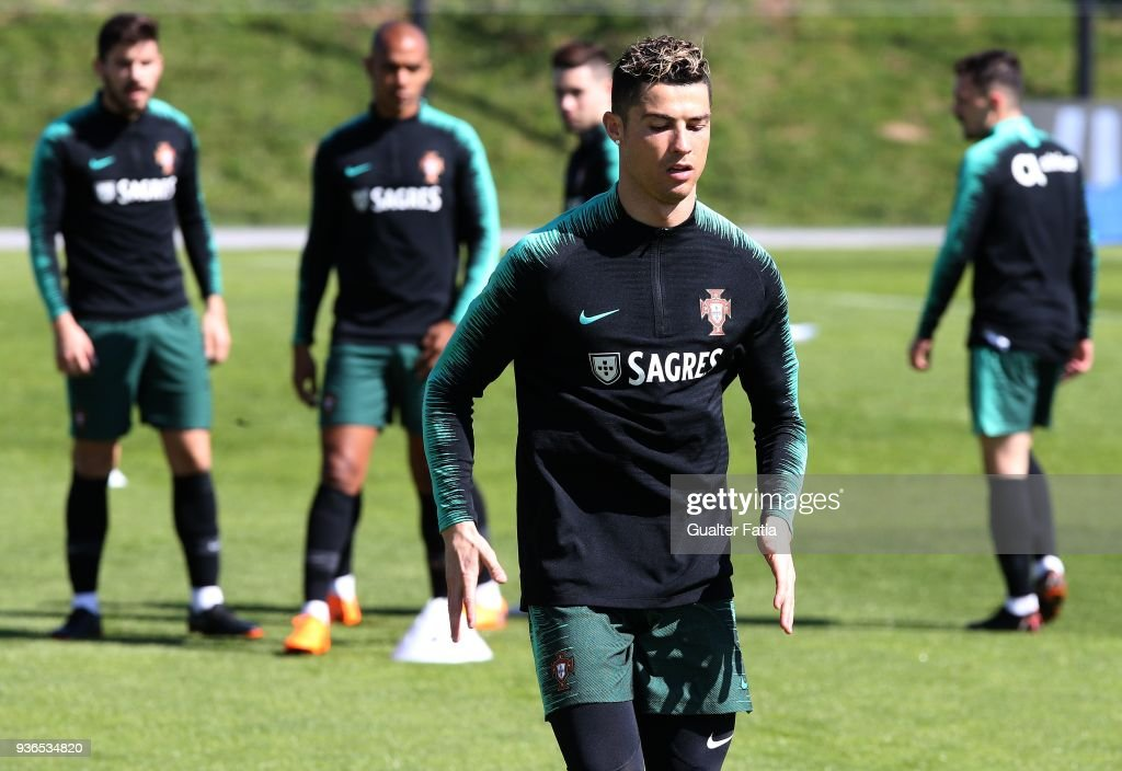 Portugal Training Session : Nachrichtenfoto