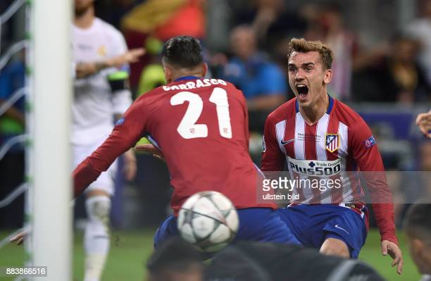 FUSSBALL CHAMPIONS Real Madrid Atletico Madrid 1 Yannick Carrasco und Antoine Griezmann