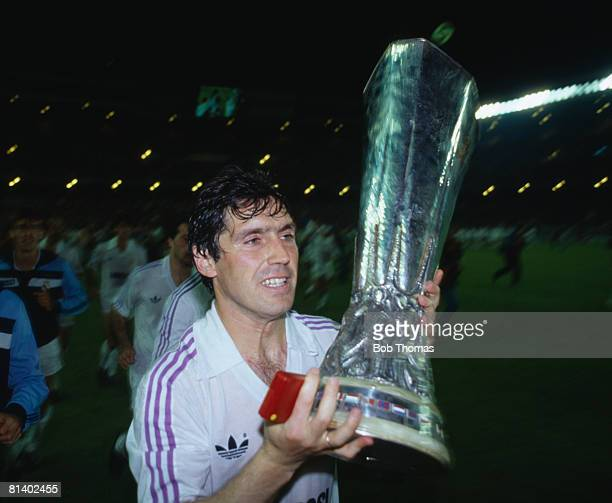 Real Madrid captain Carlos Santillana with the UEFA Cup after their 31 aggregate victory over Videoton in the UEFA Cup Final 2nd leg at the Bernabeu...