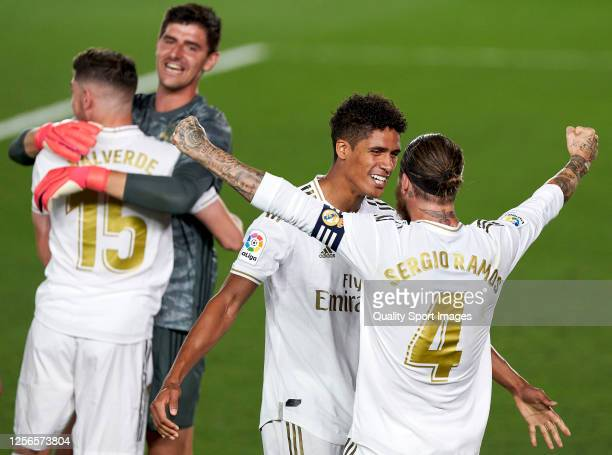 Real Madrid CF players celebrate cliching their 34th Spanish La Liga title after the La Liga match between Real Madrid CF and Villarreal CF at...