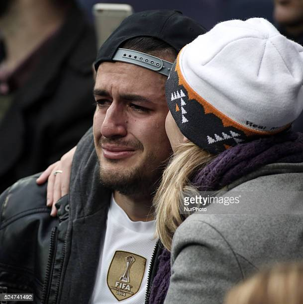 real madrid fan cry in his first time at the santiago bernabeu