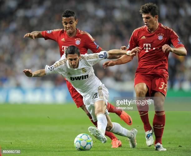 FUSSBALL CHAMPIONS Real Madrid FC Bayern Muenchen Angel Di Maria gegen Luiz Gustavo gegen Mario Gomez