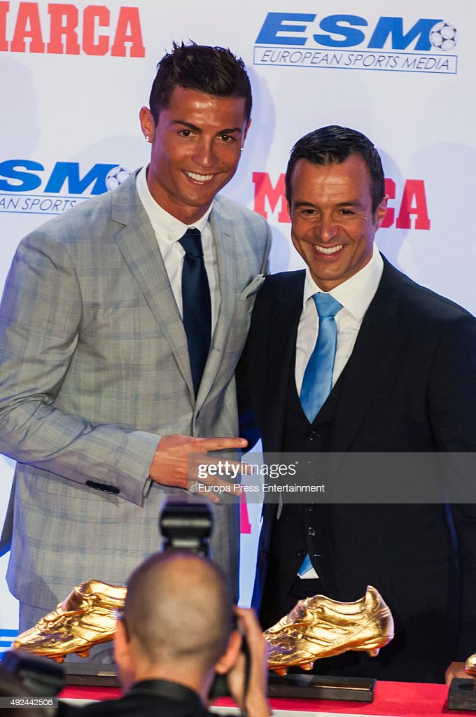 Cristiano Ronaldo Receives His Fourth Golden Boot Award : ニュース写真