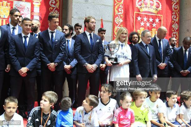 Real Madrid football players during the celebrations of Real Madrid Spanish League in Madrid town hall on May 22 2017 in Madrid Spain