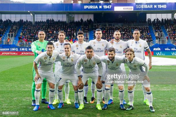 Real Madrid line up for a team photo prior to the start the La Liga match between SD Eibar and Real Madrid at Ipurua Municipal Stadium on March 4...