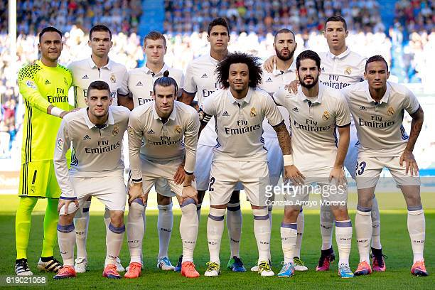 Real Madrid line up prior to start the La Liga match between Deportivo Alaves and Real Madrid CF at Estadio de Mendizorroza on October 29 2016 in...