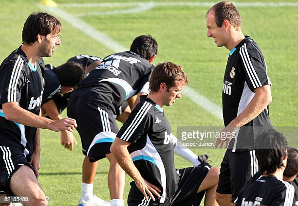 Real Madrid new Dutch signing Rafael van der Vaart does some excercises with his teammates and fellow countrymen Arjen Robben and Ruud van Nistelrooy...