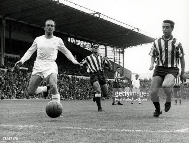 Real Madrid player Alfredo di Stefano in action during the Liga mach between Real Madrid and Atletico Madrid on May 7 1959 in Madrid Spain