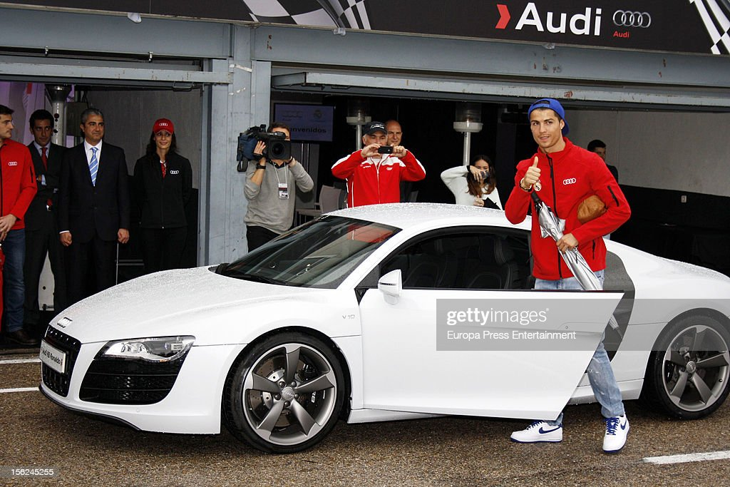 Real Madrid Players Receive New Audi Cars In Madrid Photos And - Sports cars keys